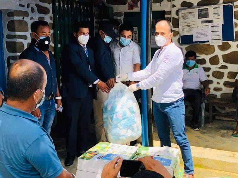राहत लिएर भुम्लु पुगे : नेता दावा लामा