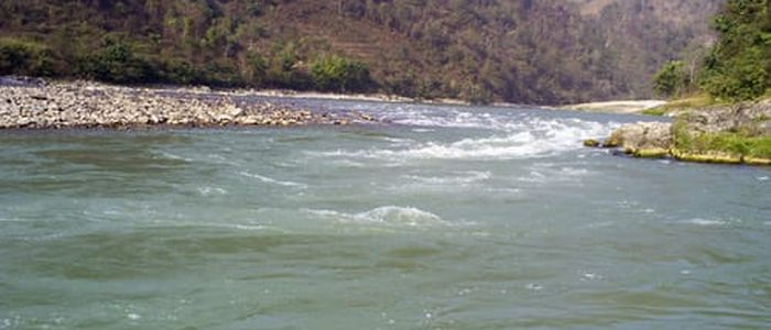 त्रिशूली नदीमा  जीप खस्याे,  जीप बैपता
