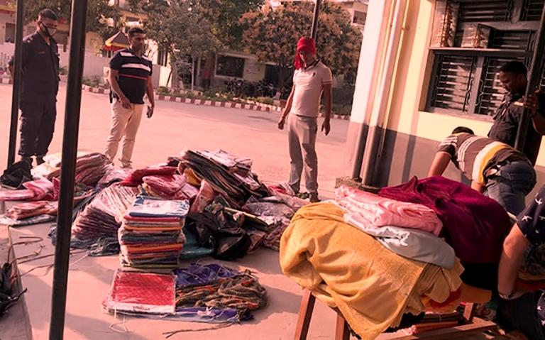 एपीएफ टोलीद्वारा चोरीपैठारीको सामानसहित पक्राउ