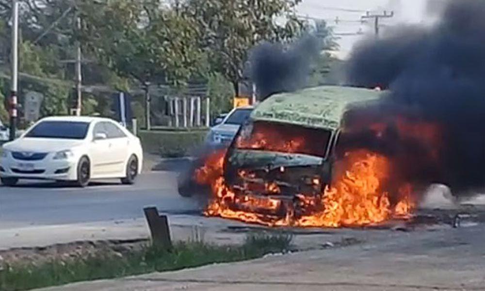 पाकिस्तानमा यात्री बसमा आगो लागेर १३ यात्रीको मृत्यु