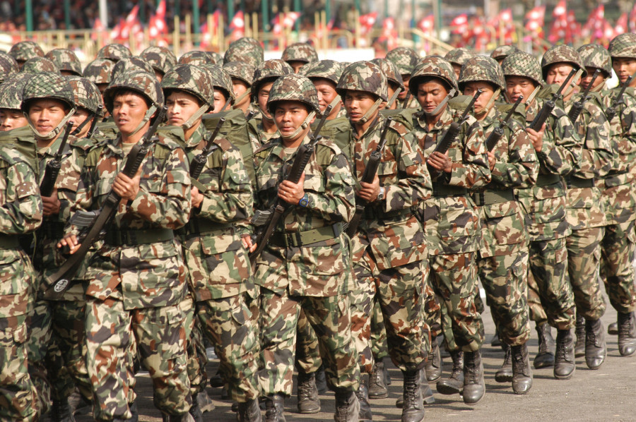 निर्वाचित नेतृत्व व्यवस्थाप्रति नै वितृष्णा जन्माउँदै, के सैनिक शासन आउनै लागेको हो ?