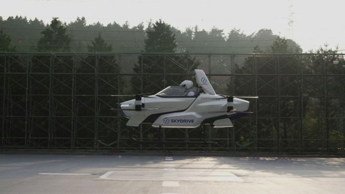 जापानमा उड्ने कारको परीक्षण सफल