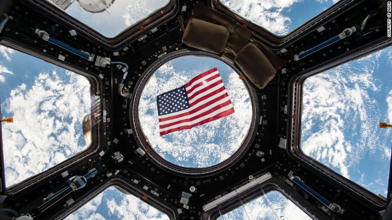 नासाकी अन्तरिक्षयात्री केट रुबिन्सले अन्तरिक्षबाटै राष्ट्रपति चुनावमा मतदान गर्ने