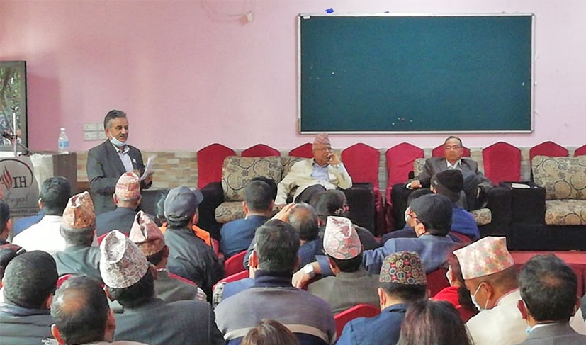 माधवकुमार नेपाल समूहले अध्यक्ष केपी शर्मा ओलीले सोधेको स्पष्टीकरण दिने तर पार्टी नफुटाउने