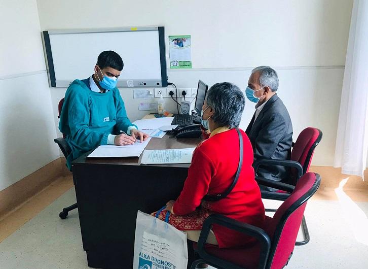 पूर्वप्रधानमन्त्री भट्टराईले भारतमा स्वास्थ्य परीक्षण गराए, भोलि अस्पतालमा भर्ना हुने
