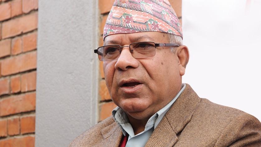 संविधानमा बहुमत प्राप्त प्रधानमन्त्रीले संसद विघटन गर्न नपाउने: माधव नेपाल