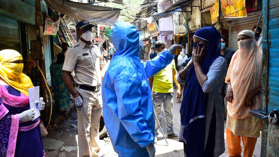 भारतमा कोरोना भाइरस सङ्क्रमितको सङ्ख्या एक करोड पाँच लाख ५७ हजारभन्दा बढी