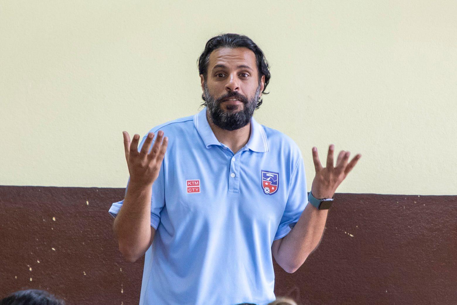 राष्ट्रिय फुटबल टोलीका मुख्य प्रशिक्षक अल्मुताइरीद्वारा राजीनामा दिने घोषणा