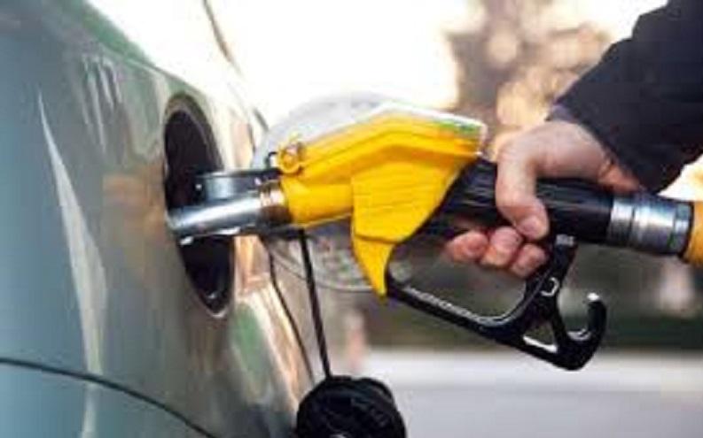 भारतमा पेट्रोलको मूल्य घटेर प्रतिलिटर ७२ रुपैयाँसम्म हुन सक्ने