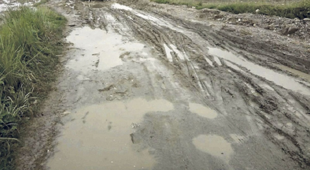 बेनी-जोमसोमलगायत ग्रामीण सडक अवरुद्ध